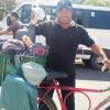 Homem percorre Brasil de bicicleta e faz parada em Picos