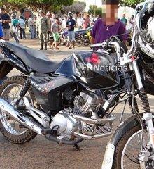 Motociclista morre ao bater em carro durante ultrapassagem em Paulistana. Imagens fortes!