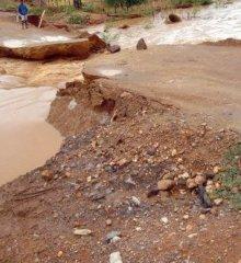 Após forte chuva, rodovia volta a romper e cidade da região de Paulistana fica isolada