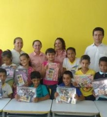 Alunos de Caldeirão Grande do Piauí ganham Kits escolares