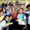 Dona Rejane entrega 'Cheque Livro' para mais de 6 mil alunos no Salipi