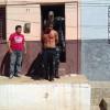 Assaltante é preso em telhado de residência