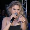 Moleca 100 Vergonha anuncia a cantora Kelly Freitas como nova vocalista
