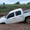 """Em Jacobina, Picape é """"engolida"""" por buraco em estrada da zona rural do município"""