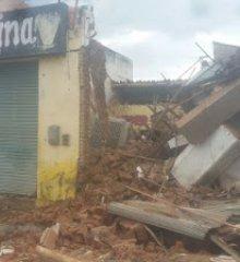 Em Paulistana, três prédios desabam no Centro da cidade