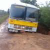 Ônibus escolar quase é engolido por cratera no interior do Piauí