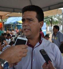 Em Caldeirão Grande, prefeito João Vianney divulga as atrações dos 26 anos de emancipação política do município