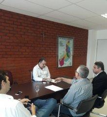 Em Teresina, prefeito Welington Carlos cumpre agenda com o Secretário de Saúde Florentino; uma nova ambulância será entregue em Santo Antônio