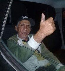 """Em Jaicós, idoso é detido por porte ilegal de arma e faz um """"legal"""" para a foto"""