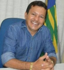 Em Campo Grande do Piauí, Prefeito Baiá antecipa pagamento da primeira parcela do 13º salário dos servidores da educação