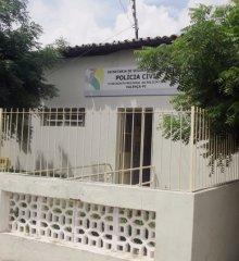 Mulher é presa após ferir marido com gargalo de garrafa em Valença