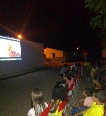 Santo Antônio de Lisboa| Assistência Social promove 'Cinema Social' para crianças do bairro Acampamento