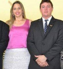 Esposa e filha do Deputado estadual Rubem Martins tem Hilux tomada em assalto na porta de casa