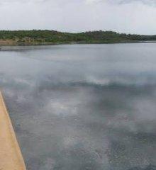 Vídeos mostram  vazamento na barragem de Poço de Marruá em Patos-PI; veja