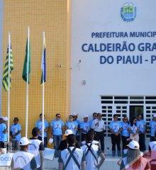 CALDEIRÃO GRANDE 27 ANOS| Hasteamento das bandeiras e atividades alusivas ao aniversário comemoram a independência do município
