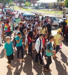 Em Picos, estudantes levam às ruas projetos de extensão em ato contra cortes na educação e reforma da previdência