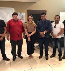 ALEGRETE |Em Teresina, prefeito Márcio Alencar e lideranças locais reúnem-se com deputada Rejane Dias; em pauta, educação, esporte e segurança