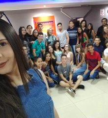 SANTO ANTÔNIO DE LISBOA  Assistência Social promove dia de lazer para mais de 20 jovens no Piauí Shopping, em Picos