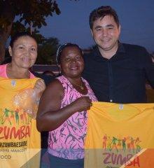 PADRE MARCOS   Prefeito Valdinar Silva faz nova entrega de uniformes a participantes das aulas de zumba