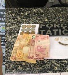 Em Valença, mulher é presa suspeita de tráfico de drogas